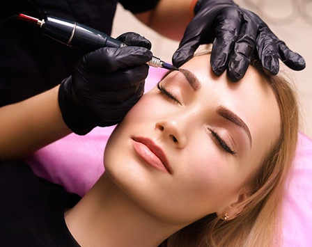 How To Find The Best Salon That Offers Eyebrow Tattooing?